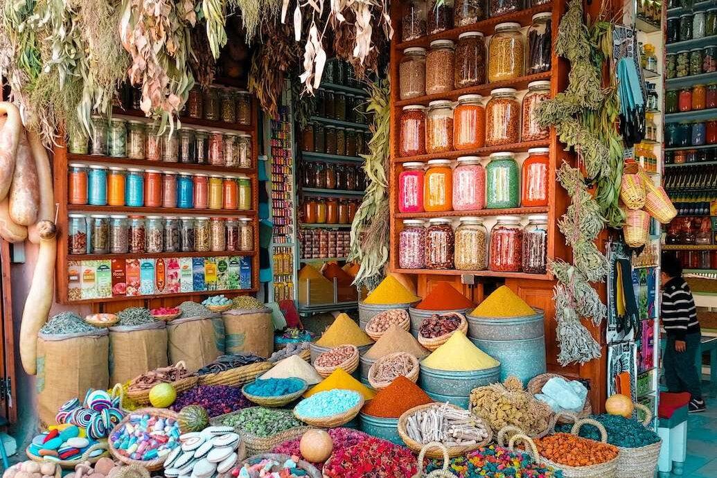 Markt Marrakech - Groepsreis Rondreis Marokko 2021   Esperanto Travel - Reisbureau Nieuwpoort
